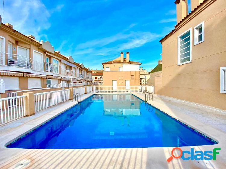 Venta de duplex en santa pola (alicante) con piscina y vistas al mar