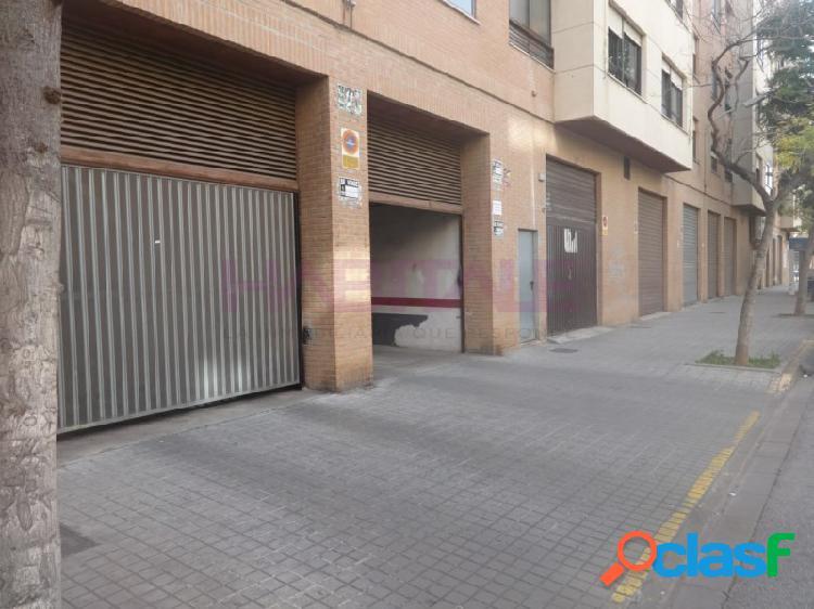 Plaza amplia e independiente en garaje de unos 3 m. x 4,70 m.
