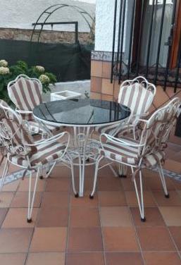 Mesa y sillas jardín hierro blanco