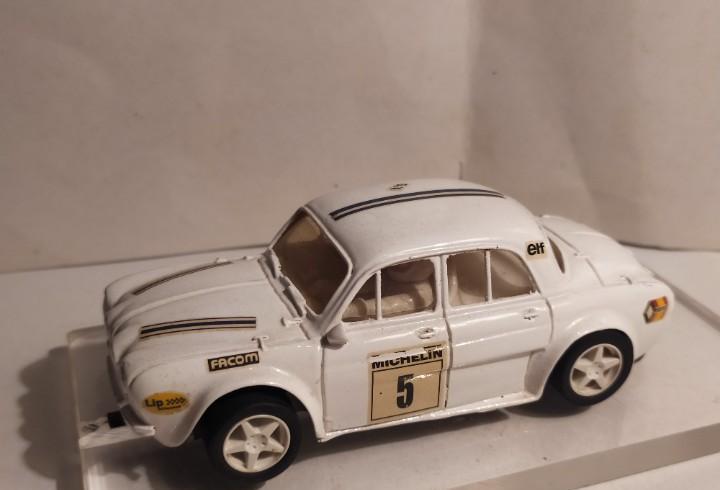 Renault dauphine gr. 5 blanco de team slot