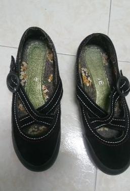 Zapatos negros nº 37 con cosidos