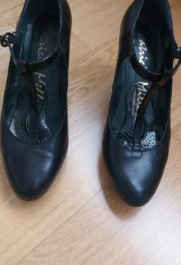 Zapatos salón de piel
