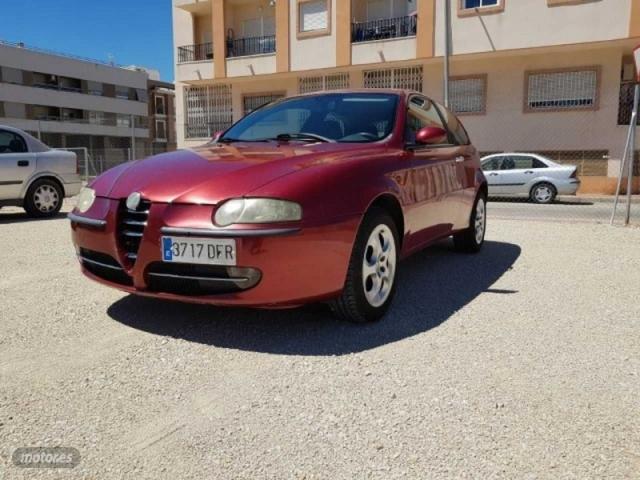 Alfa romeo 147 1.6 ts 105cv distinctive de 2005 con 197.000