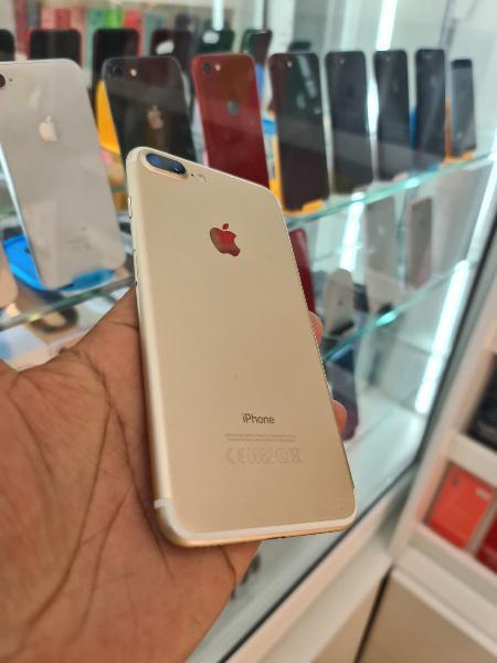 I phone 7 plus 32 gb.