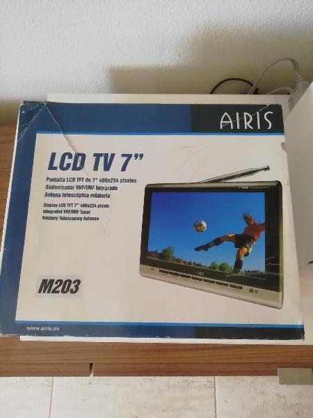 "Televisor lcd 7"" marca airis"