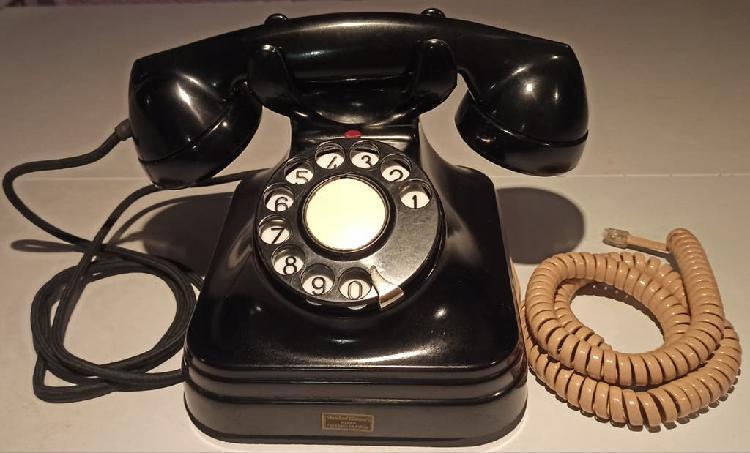Teléfono de baquelita funciona