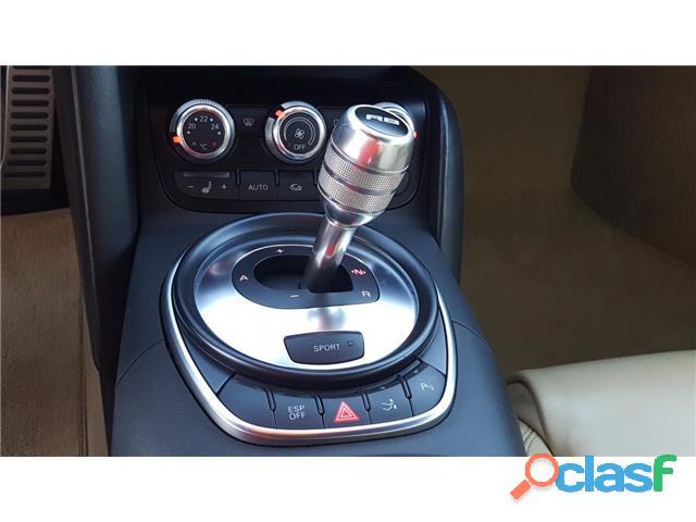 Audi R8 4.2 FSI quattro R tronic 4