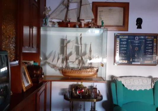 Barcos de vela hechos a mano