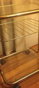 Mesa cristal con ruedines