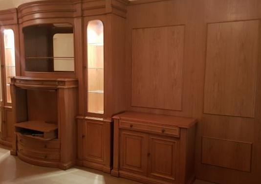 Mueble salón de roble