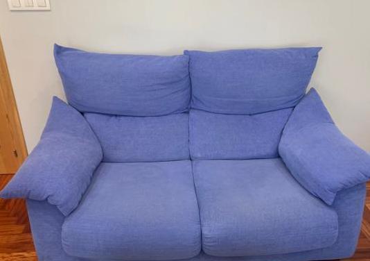 Sofa de dos plazas