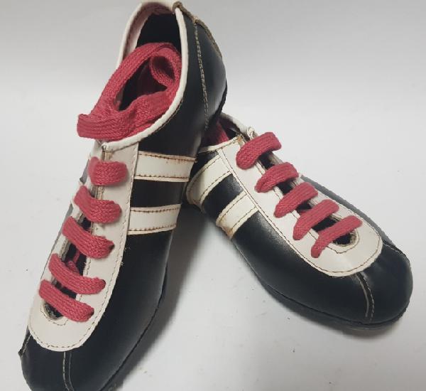 Zapatillas de fútbol niño, fabricadas en villena, años