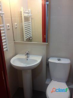 Habitación doble con baño privado en piso de estudiantes 14