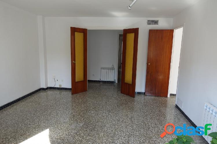 Gran piso en alquiler a Poble Sec 3