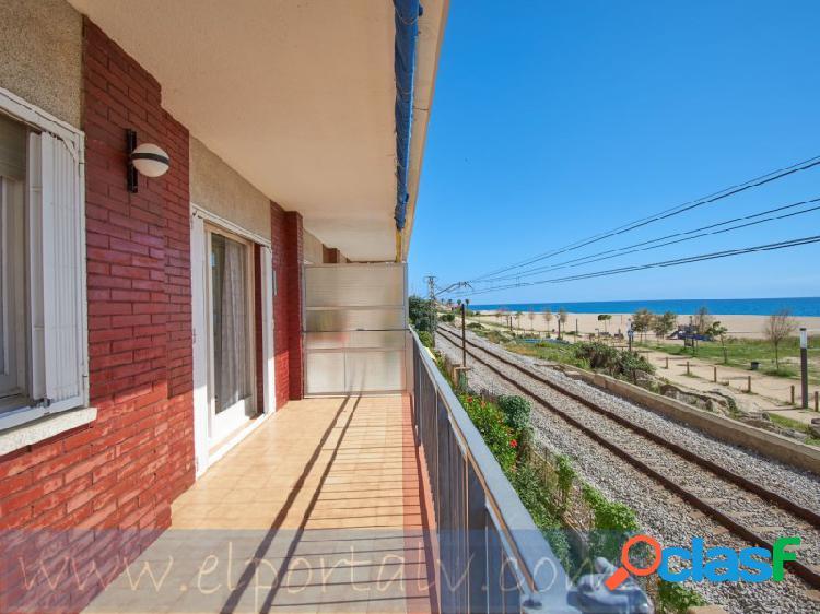 Busca una vivienda frente al mar piso en primera línea de mar. ¡¡¡visita sin moverte desde tu casa, con la realidad virtual ver visita virtual!!