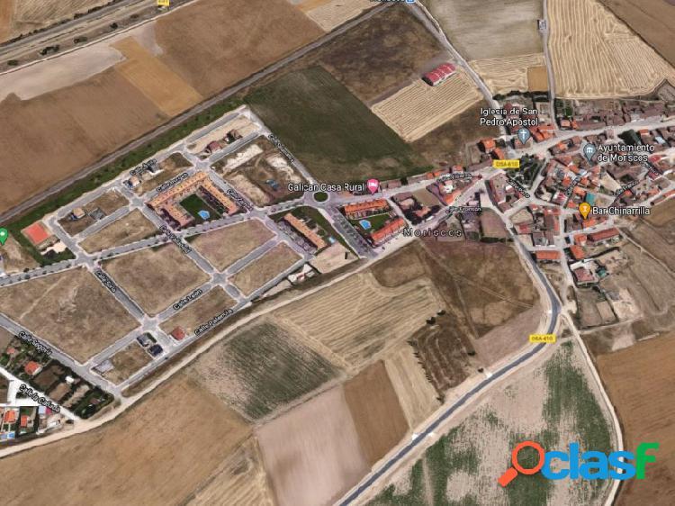 Parcelas urbanas a la venta para chalet individual en el municipio de moriscos, situado a menos de 10 km de la ciudad de salamanca. parcelas desde 343 m2 de superficie, llanas, sin pendiente