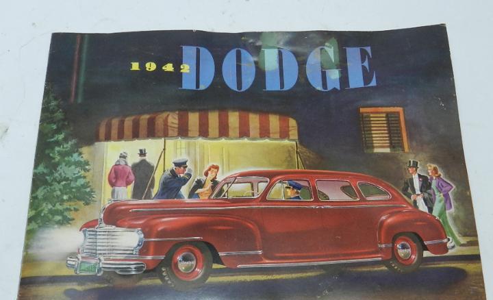 Catálogo original de automóviles dodge 1942 en castellano,