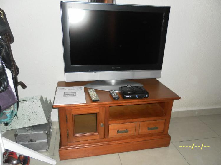 "TV LCD Panasonic 32""+ TDT+ Mueble"