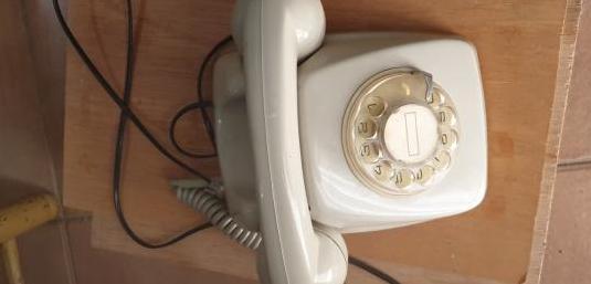 Telefono fijo antiguo