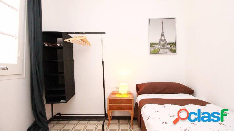 Precioso apartamento en alquiler en Poble Sec, Barcelona. 2