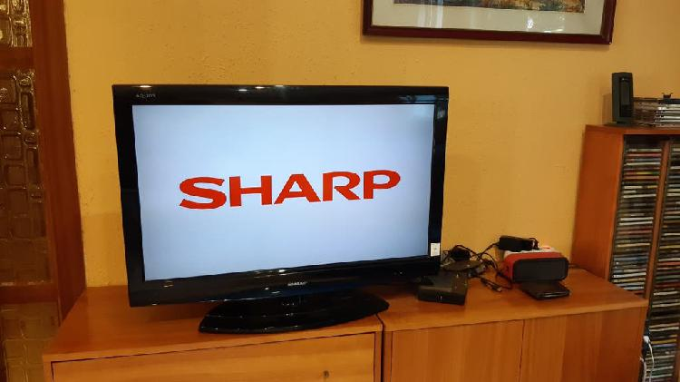 "Televisor sharp de 32"" lcd"