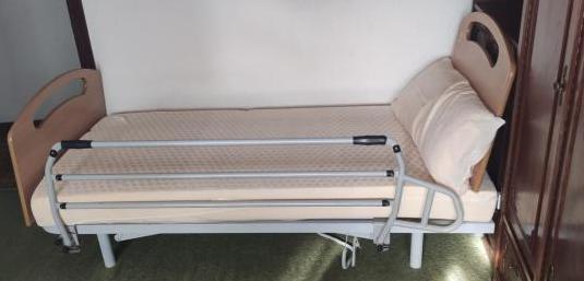 Cama articulada (con almohada y colchón)