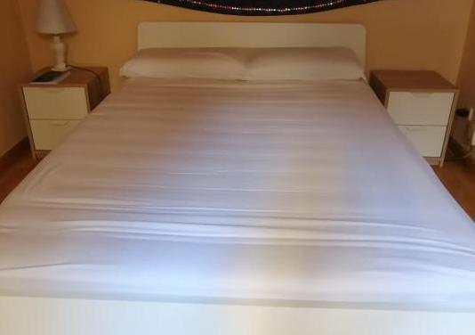 Cama (viga y 2 somier incluidos) colchón