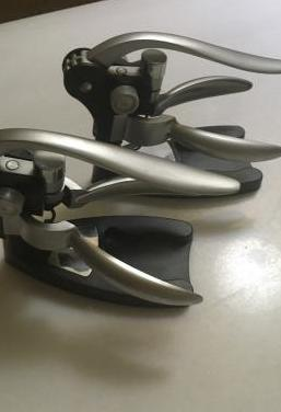 Dos pares de sacacorchos modelo toscana