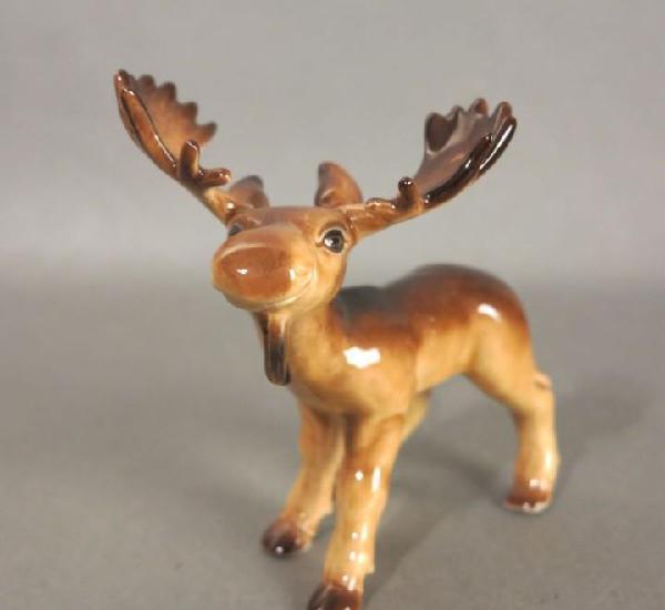 Figura de porcelana de göbel. alce. 1970-1975