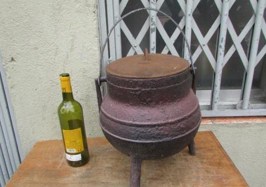 Pote olla hierro 12 litros tapa asa