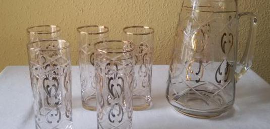 Vasos y jarra vintage