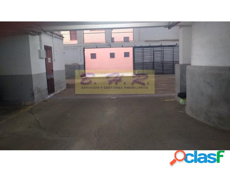 Se alquilan plazas de Garaje en San Isidro, Céntricas