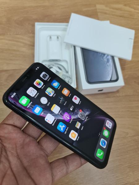 I phone xr con caja , condición (10/10)