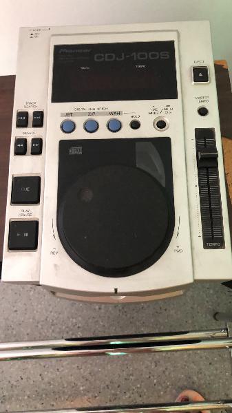 Mesa de mezclas + 2 cd's
