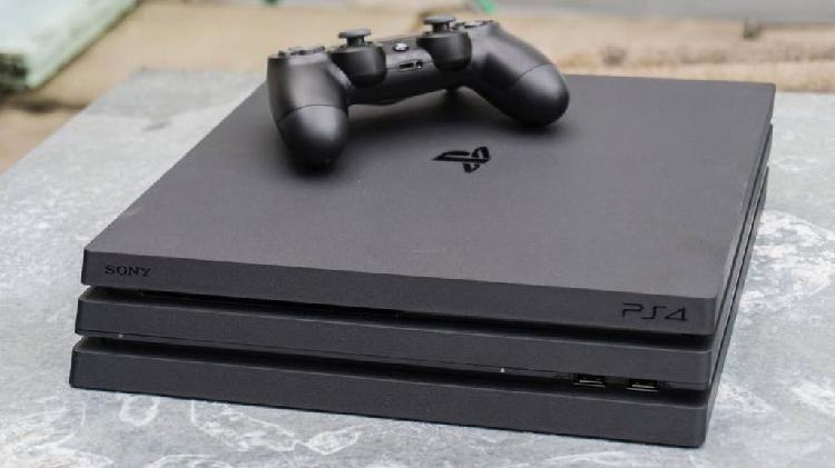 Ps4 con unos 15 juegos digitales y 3 físicos