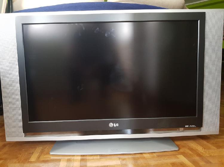 Tv lg 32 pulgadas,tecnología lcd, tdt regalo