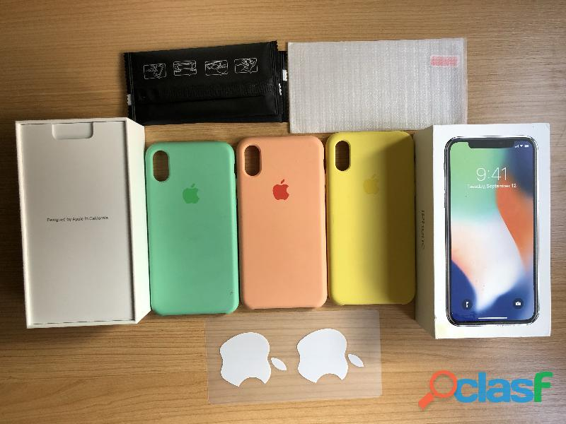 iPhone X 64 gb y fundas originales de apple