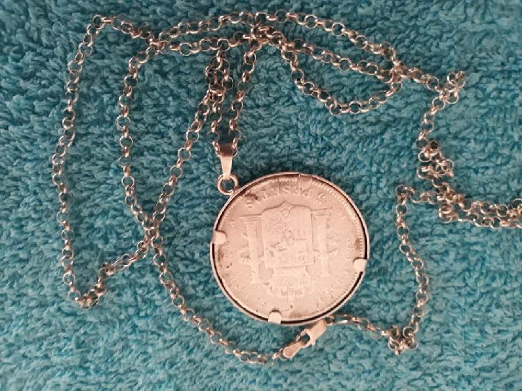 Moneda de plata auténtica con cadena
