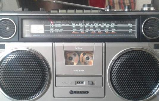 Sanyo m9930 radiocaset