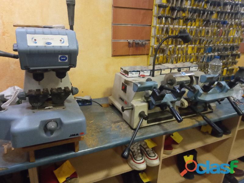 Traspaso taller reparación de calzado y duplicado llaves 7
