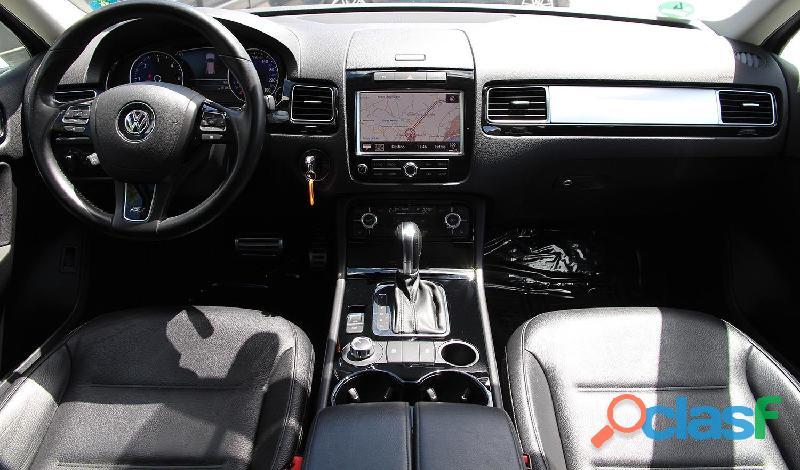 Volkswagen 3.0 V6 TDI 245cv R Line 2