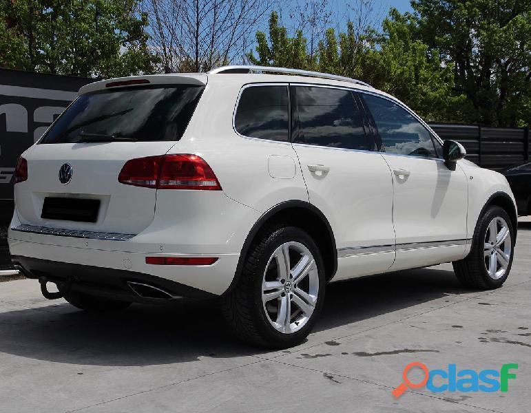 Volkswagen 3.0 V6 TDI 245cv R Line 4
