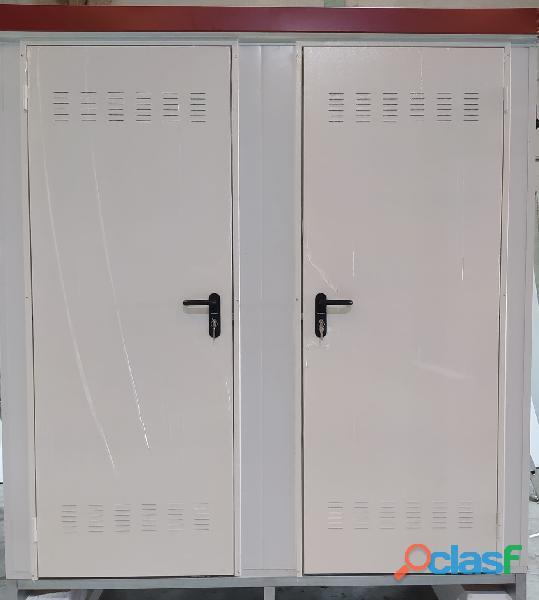 Módulo sanitario de 2x1 m con dos baños independientes.
