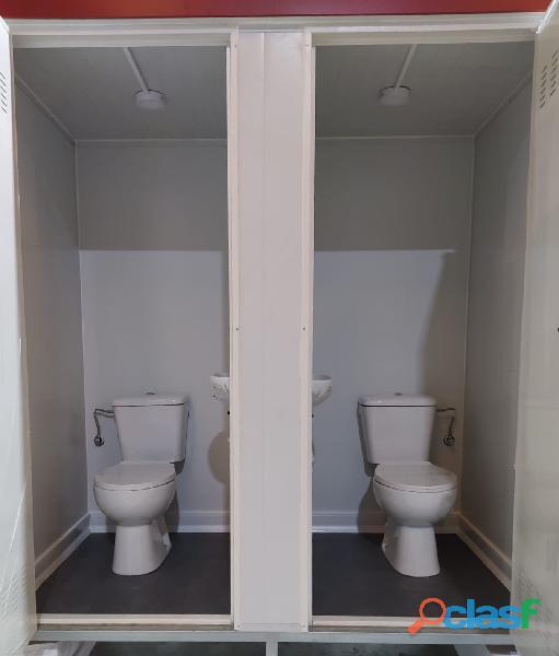 Módulo sanitario de 2x1 m con dos baños independientes. 1