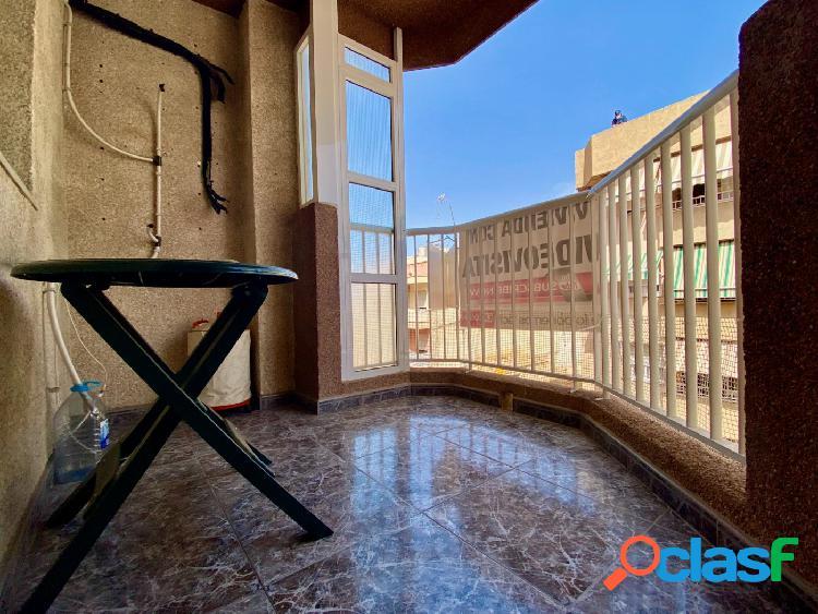 PISO CENTRICO DE 4 HABITACIONES CON ASCENSOR EN AGUILAS, A 530 METROS DE LA PLAYA 1
