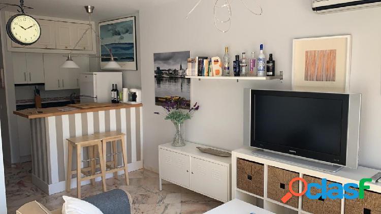 Precioso estudio reformado en Romana Playa, Elviria, uno de los mejores barrios de Marbella. 3