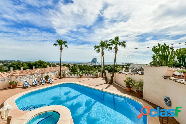 Villa muy espaciosa con vistas panorámicas sobre Calpe y el mar 1