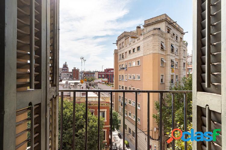 Piso para reformar en excelente zona de Barcelona y gran oportunidad para inversión 2