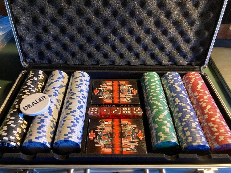 Maletín de poker nuevo a estrenar