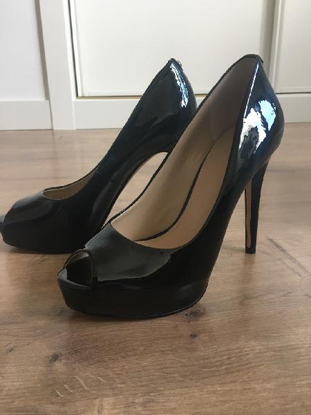 Zapatos peep toes